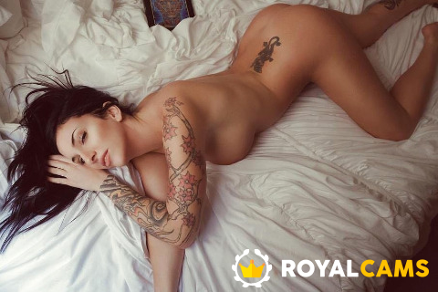 Royal Cams Live Cam Girl